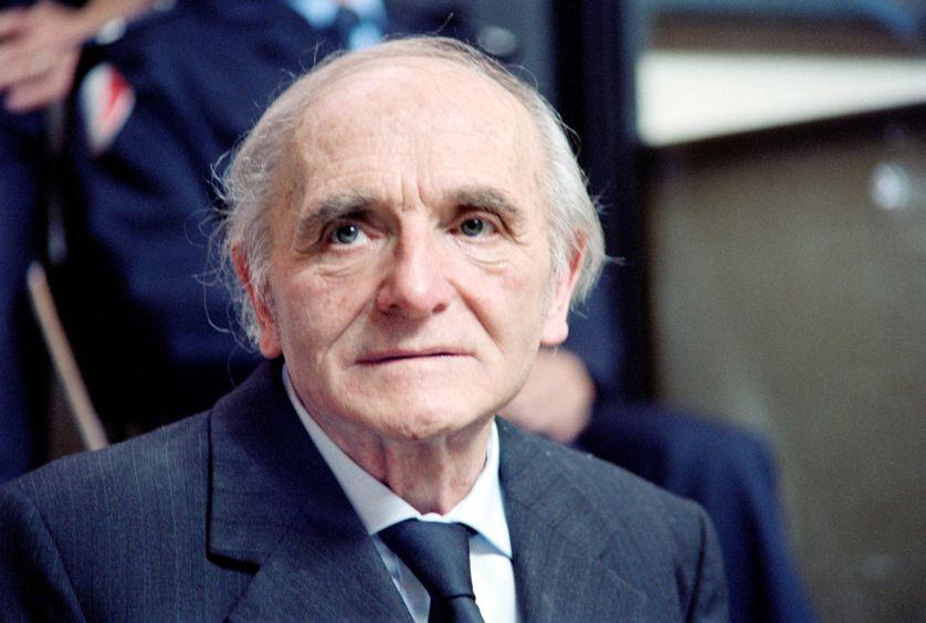 """Klaus Barbie, le """"Boucher de Lyon"""", le 11 mai 1987 au tribunal de Lyon, le premier jour du procès pour crimes contre l'humanité."""