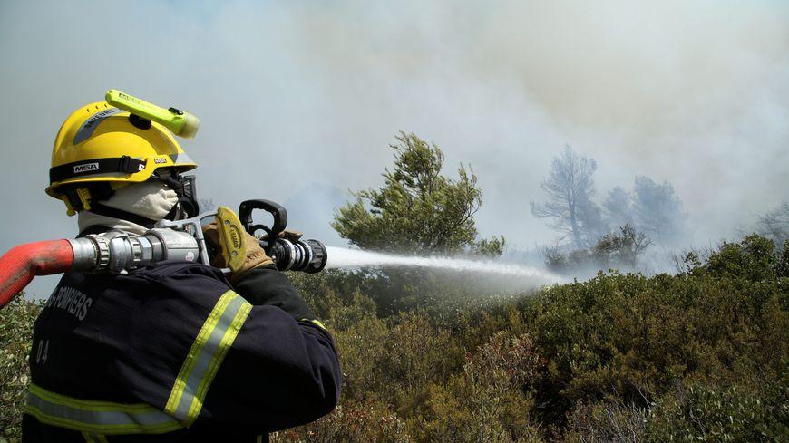Les pompiers sarthois vont combattre les incendies, mais aussi remplacer les pompiers locaux sur les interventions quotidiennes.