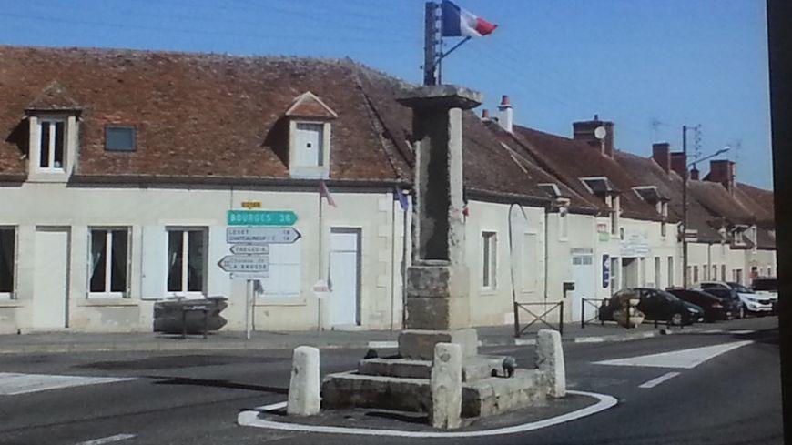 La colonne de Bruère Allichamps symbolise le centre géographique de la France (d'autres communes revendiquent également ce privilège)