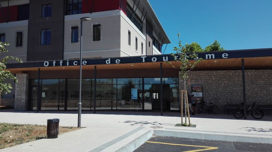 Un nouvel office du tourisme digne du pont d 39 arc - Pont royal en provence office du tourisme ...