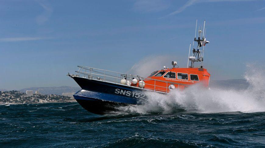 Un bateau de la SNCM est intervenue rapidement pour porter secours à une plongeuse au large de l'île du Frioul