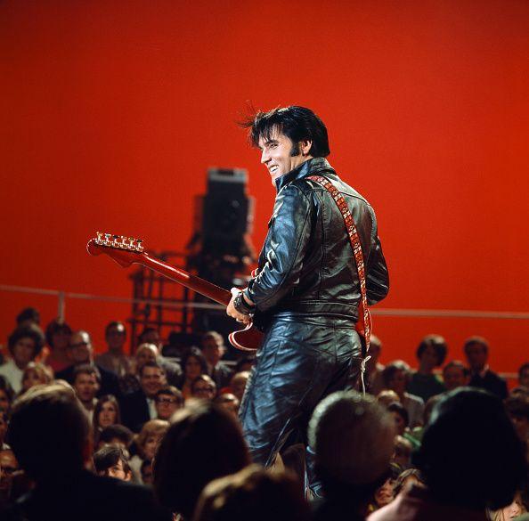 """Elvis Presley dans le """"68 Comeback Special"""" sur NBC"""