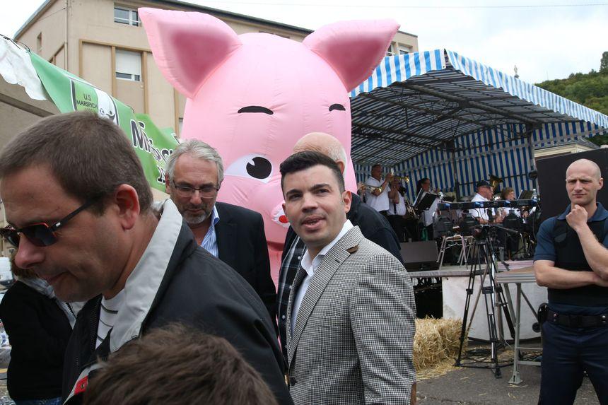 Le maire d'Hayange, Fabien Engelmann à la fête du cochon 2016