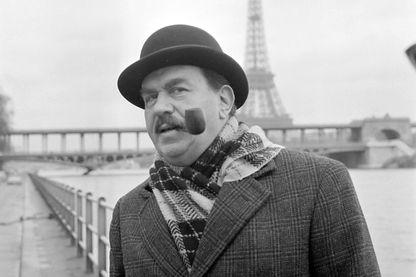 Le comédien italien Gino Cervi interprète le commissaire Maigret dans un film de Mario Landi (1966)