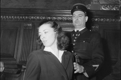 Pauline Dubuisson à son procès le 18 novembre 1953, où elle est jugée pour le meurtre de son amant Félix Bailly