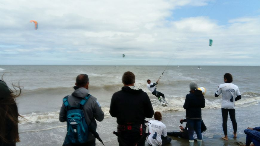 Le championnat de France de kitesurf est organisé par le club de Dunkerque DFC du vendredi 11 au mardi 15 août