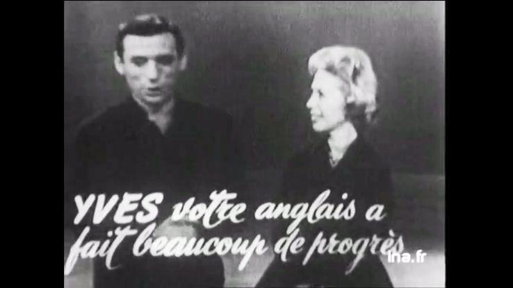 """Yves Montand invité en 1959 aux Etats-Unis du """"Dinah Shore show"""". La star de la télévision américaine l'interroge notamment sur sa maîtrise de l'anglais."""