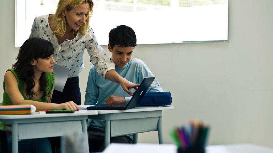 Les lycées du Grand-Est troquent les manuels scolaires contre les ordinateurs portables