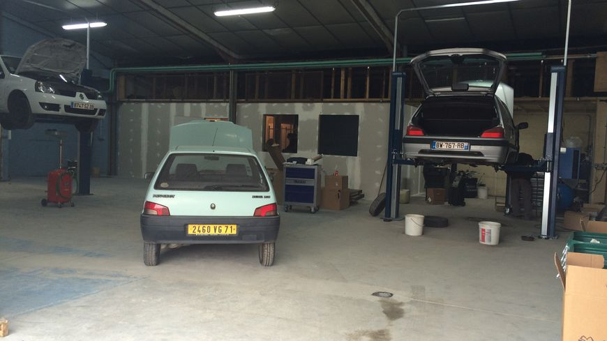 Un garage solidaire propose des voitures six euros par for Garage bmw lons le saunier