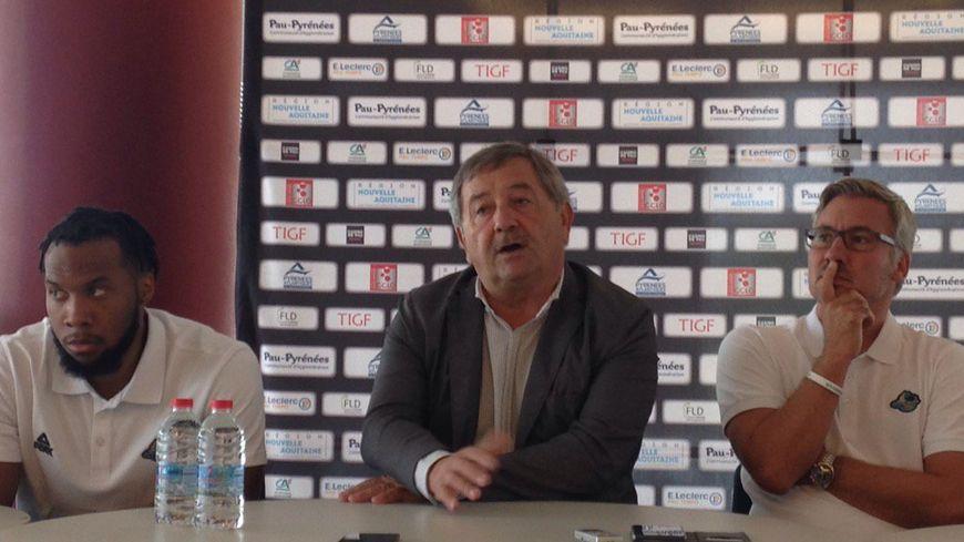 Le nouvel homme fort de l'Élan (à droite) a été présenté à la presse par son président Didier Rey.