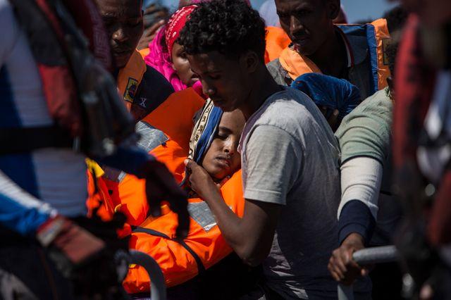 """L'Italie, le 2 août 2017, a commencé à appliquer un """"code de conduite"""" controversé pour les bateaux d'ONG qui sauvent les migrants en Méditerranée."""