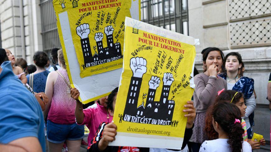 L'association Droit au Logement se bat pour ses familles à la rue