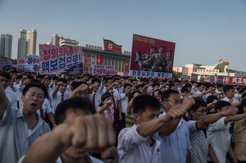 Pyongyang, manifestation le 9 août pour soutenir la position de Kim Jong-Un vis-à-vis des Etats-Unis.