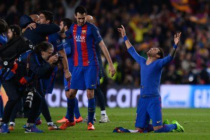 Le Brésilien Neymar célèbre la victoire du FC Barcelone contre le PSG en match retour 6 -1 - Camp Nou, Barcelone, le 8 mars 2017