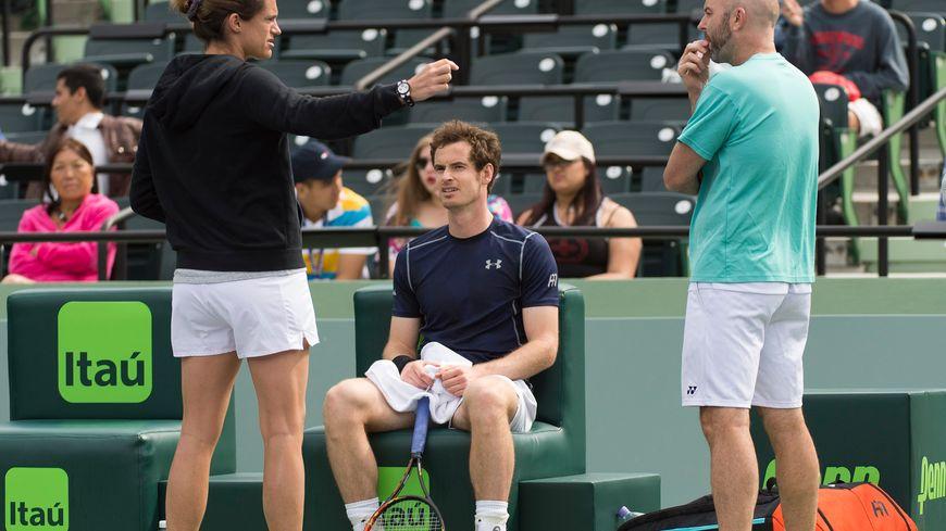 Andy Murray en a marre du sexisme dans son sport et le fait savoir, lui qui a été coaché par une femme, la Française Amélie Mauresmo (ici en 2016 à Miami)
