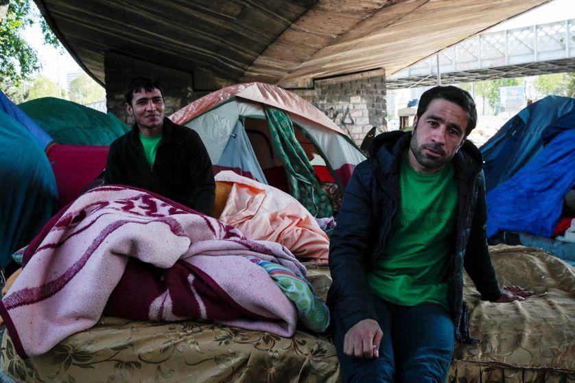 Camp de migrants sous un pont Porte de la Chapelle à Paris, photo d'avril 2017