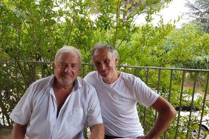 Edouard Chaulet, maire de Barjac, et Denis Cheissoux