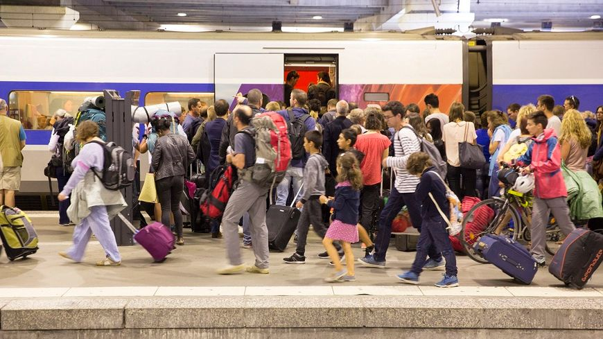 Le trafic a été très fortement perturbé au départ et à l'arrivée de la gare Montparnasse depuis dimanche.