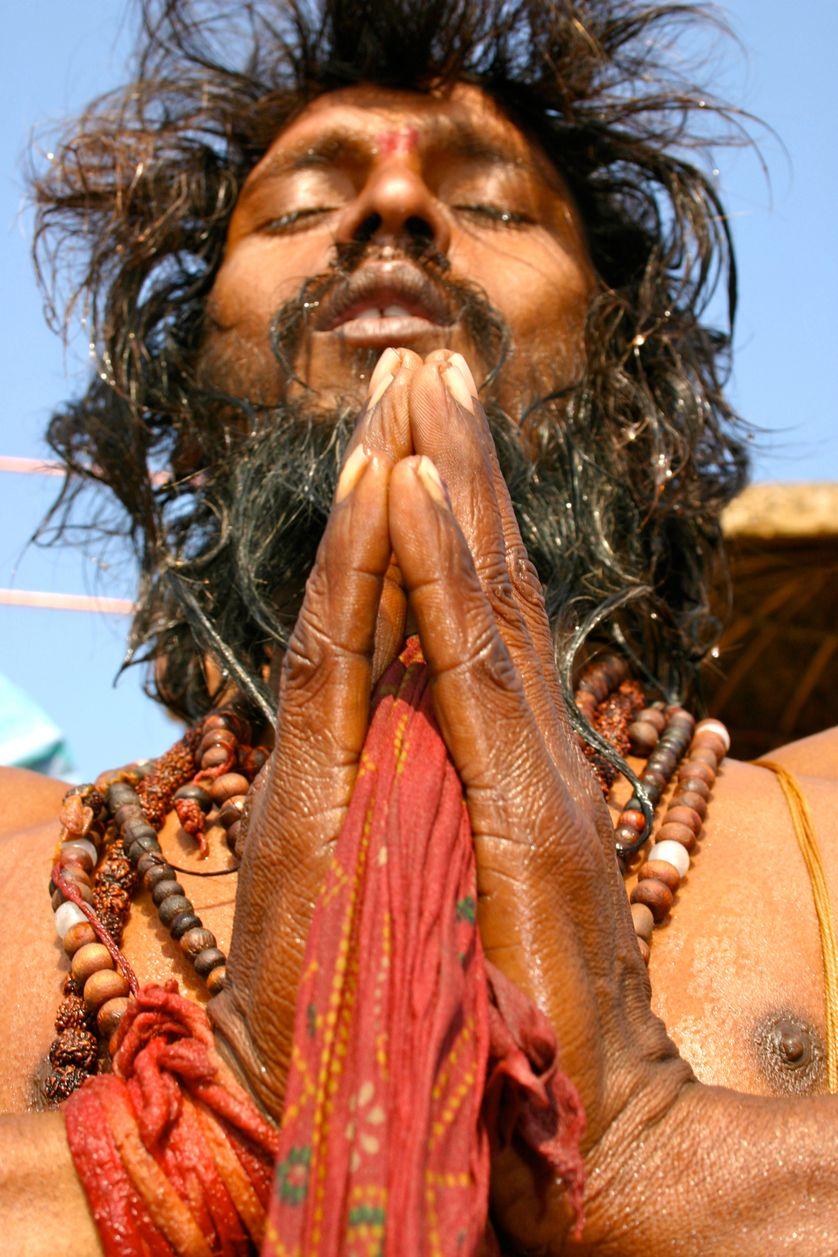 Un sadhu en train de prier