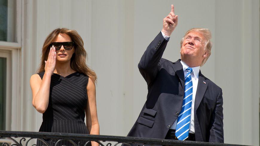 Donald Trump et son épouse Melania assistent à l'éclipse solaire totale le 21 août.