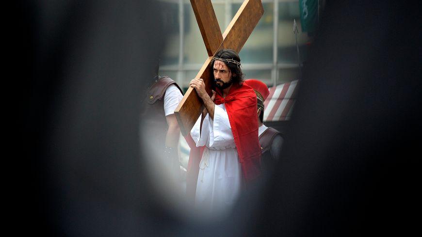 Les policiers nantais interpellent un homme qui affirme s'appeler Jésus Christ - illustration