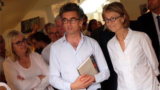 Françoise Nyssen, ministre de la culture en déplacement au Festival de Chaillol, ici avec le directeur du Festival Michaël Dian