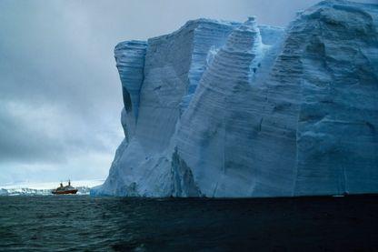 L'aventure face à l'immensité de la glace