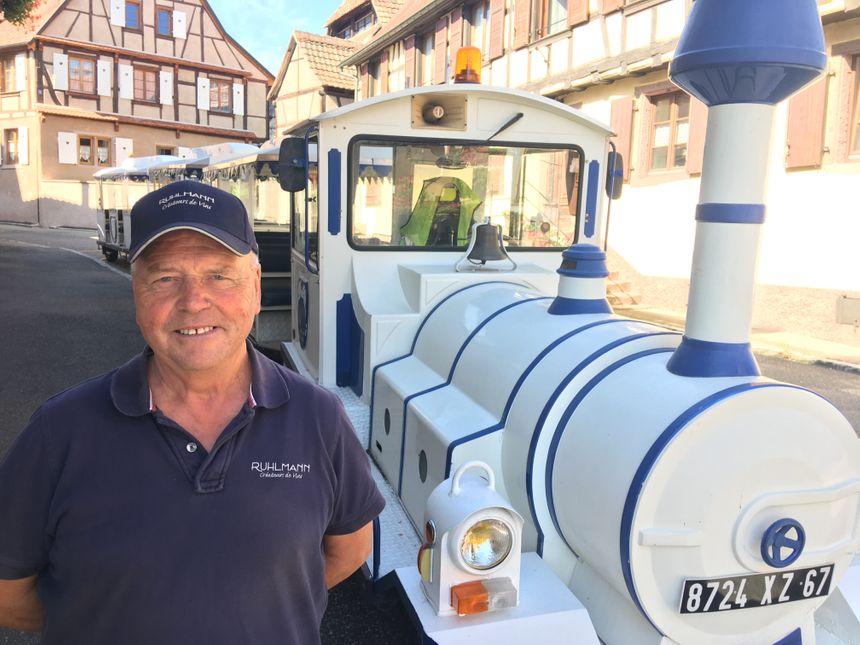 Dambach-la-Ville, le petit train de Émile Ruhlmann, créateur de vin et conducteur de train