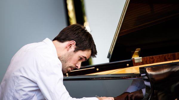 Tanguy de Williencourt, pianiste, au Festival Pablo Casals de Prades
