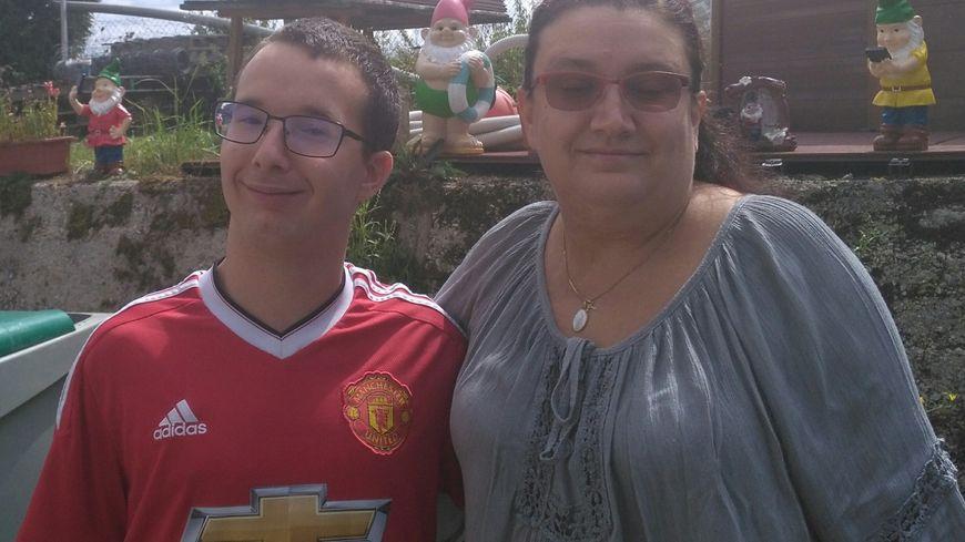 Antony en compagnie de sa maman Angélique qui a remué ciel et terre pour lui trouver un hébergement à Dijon