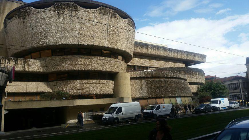 L'ancien siège de la Caisse d'Epargne, fleuron de l'architecture contemporaine à Bordeaux