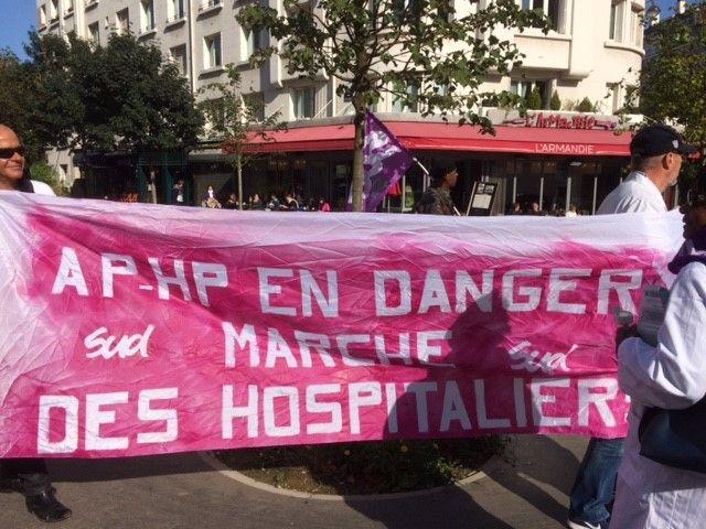 Marche des hospitaliers dans Paris