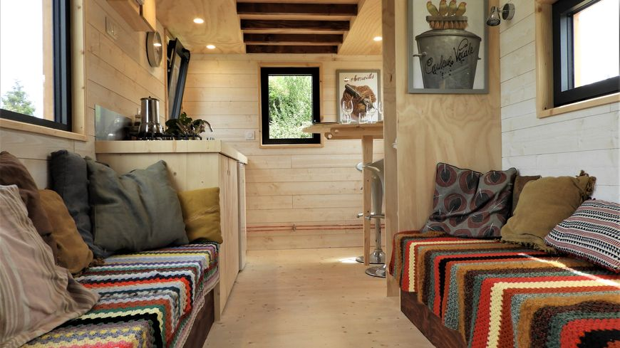 la tiny house poilley des maisons sur roues. Black Bedroom Furniture Sets. Home Design Ideas