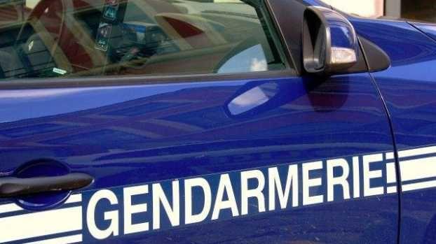 Une voiture de gendarmerie - illustration