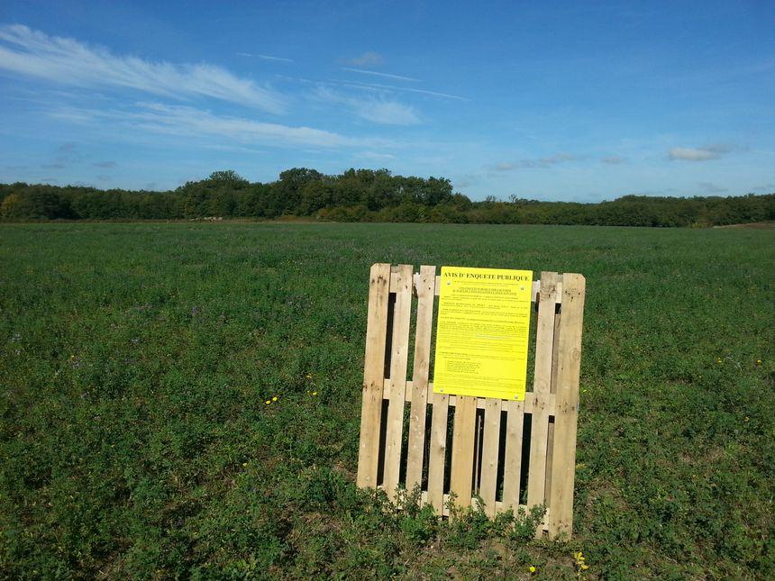 Le terrain est situé à 180 mètres du hameau de la Boudinière