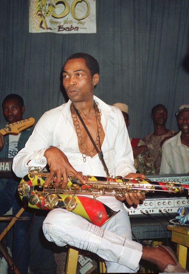 Photo prise le 15 septembre 1988 à Lagos du musicien et chef d'orchestre nigérian Fela Anikulapo-Kuti