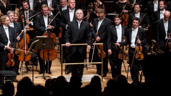 Daniel Barenboim et des membres de sa Staatskapelle de Berlin. A la Philharmonie de Paris - Salle Pierre Boulez les 09 et 10 septembre 2017