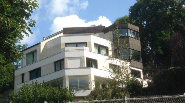 la maison de neymar bougival dans les yvelines est norme. Black Bedroom Furniture Sets. Home Design Ideas