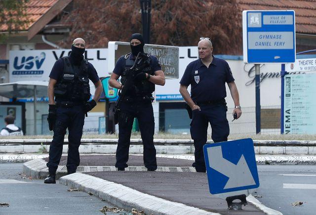 """Opération de police à Villejuif après la découverte d'un """"petit laboratoire"""""""