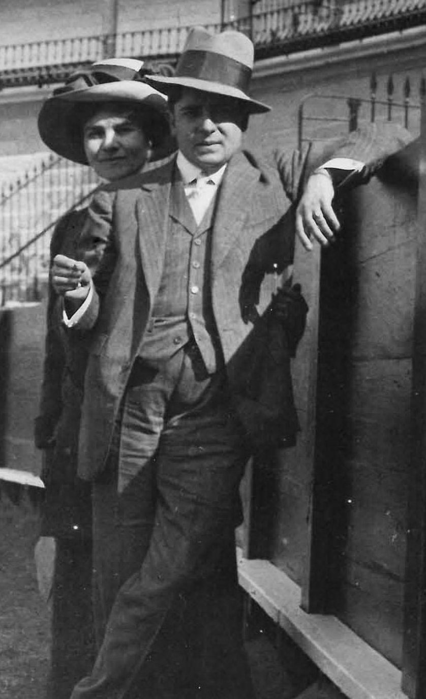 « Gabriële et Francis Picabia à Séville, 1909 »