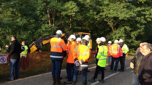 Des engins de chantiers bloqués ce mercredi par des militants anti GCO à Kolbsheim.