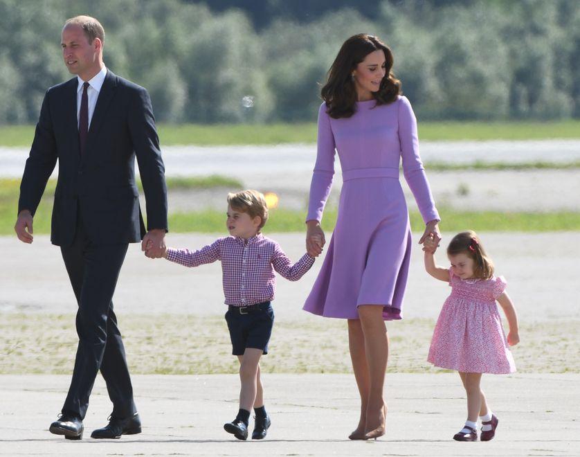 Le prince William, Kate Middleton et leurs deux enfants. Photo prise le 21 juillet 2017.