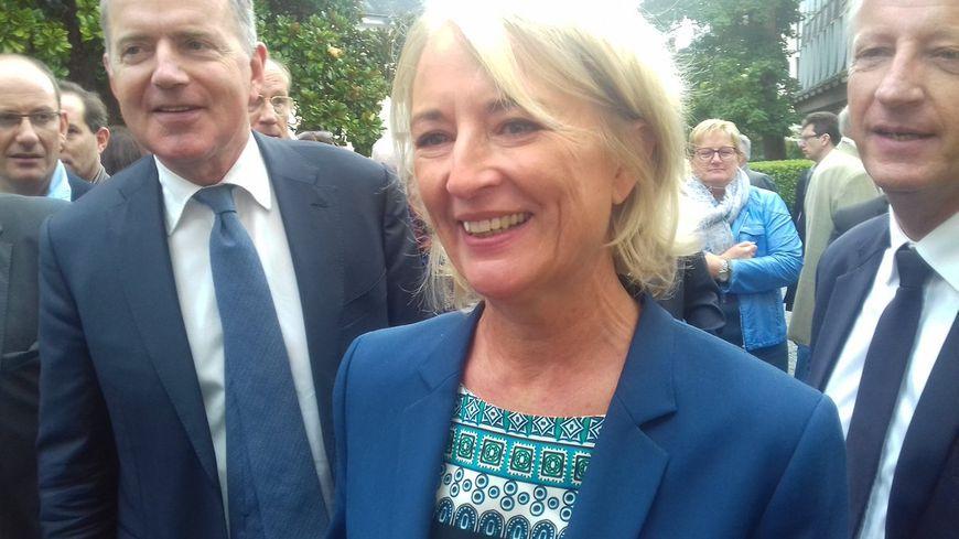 Elisabeth Doineau dans les jardins de la Préfecture de la Mayenne