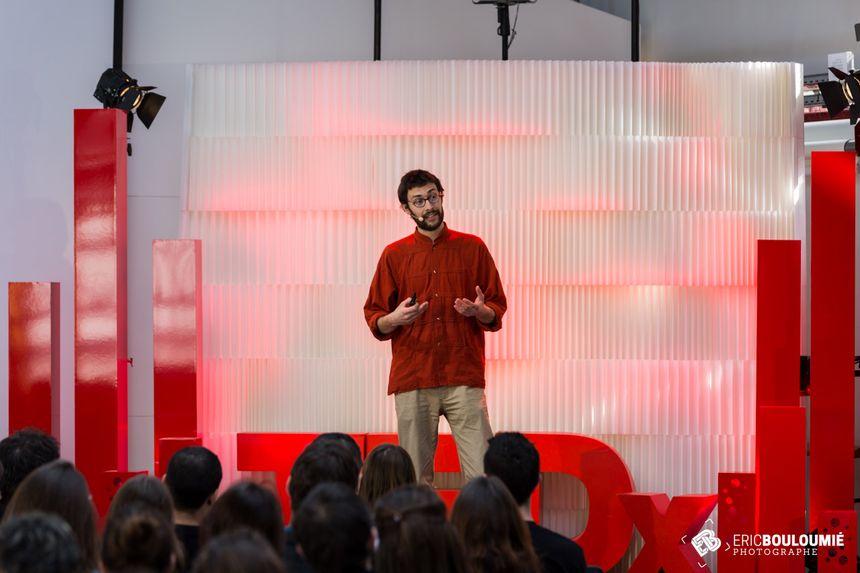 Lors du dernier TEDx à la Halle des Douves.