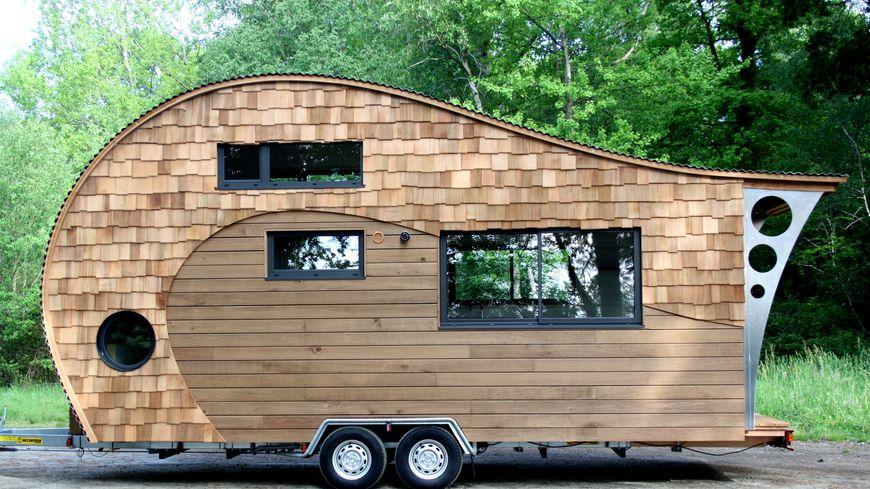 la tiny house entreprise poilley le prix de ces petites maisons sur roue. Black Bedroom Furniture Sets. Home Design Ideas