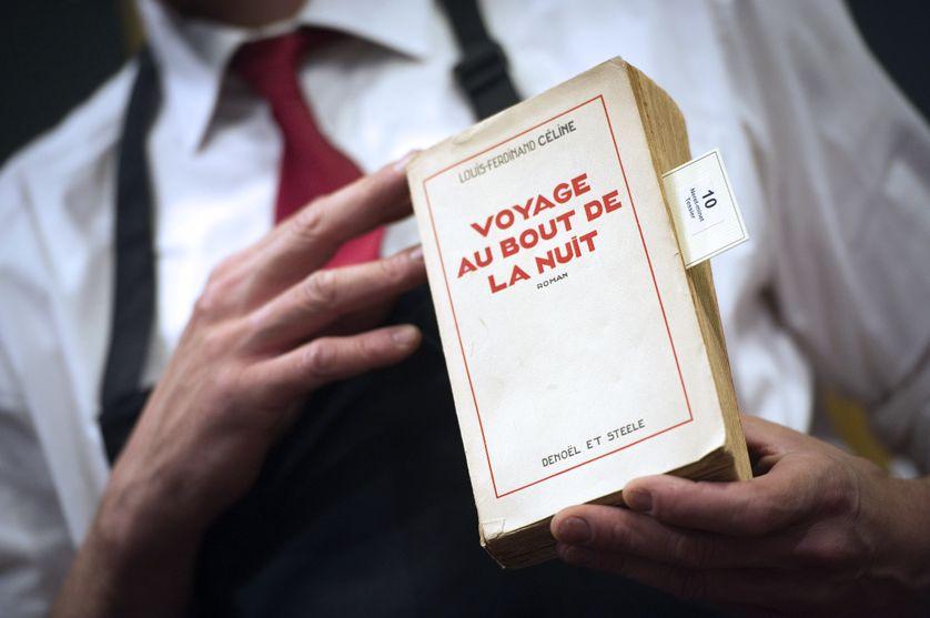 """La première édition de """"Voyage au bout de la nuit"""", de Louis-Ferdinand Céline, présentée chez Drouot en juin 2011 pour les 50 ans de la mort de l'écrivain"""