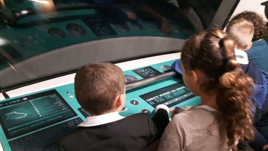 Les jeunes conducteurs de la ligne 14 du métro parisien