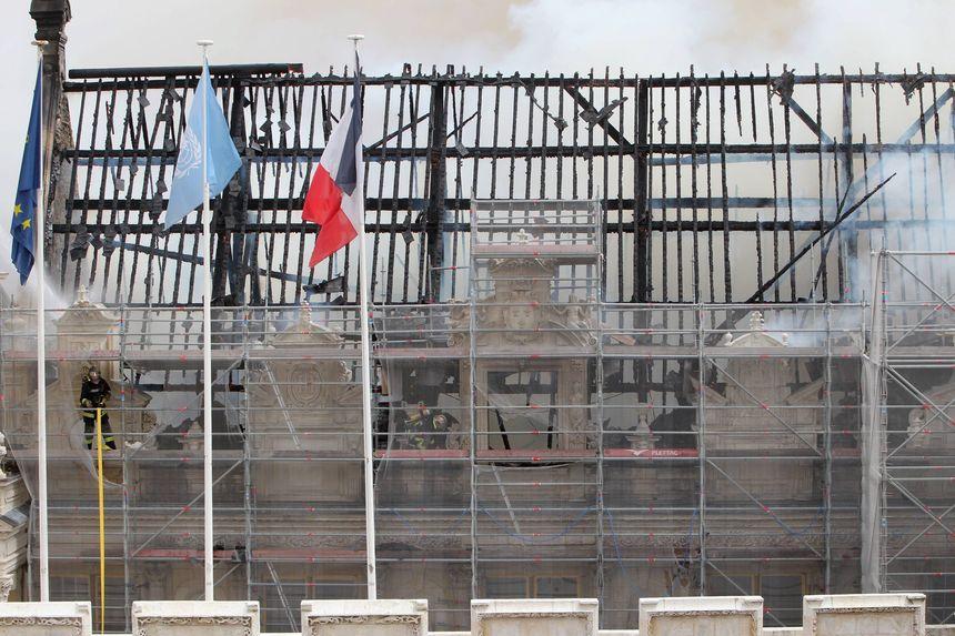 La partie principale du bâtiment a été entièrement détruite en juin 2013