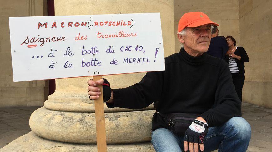 Un manifestant à Bergerac