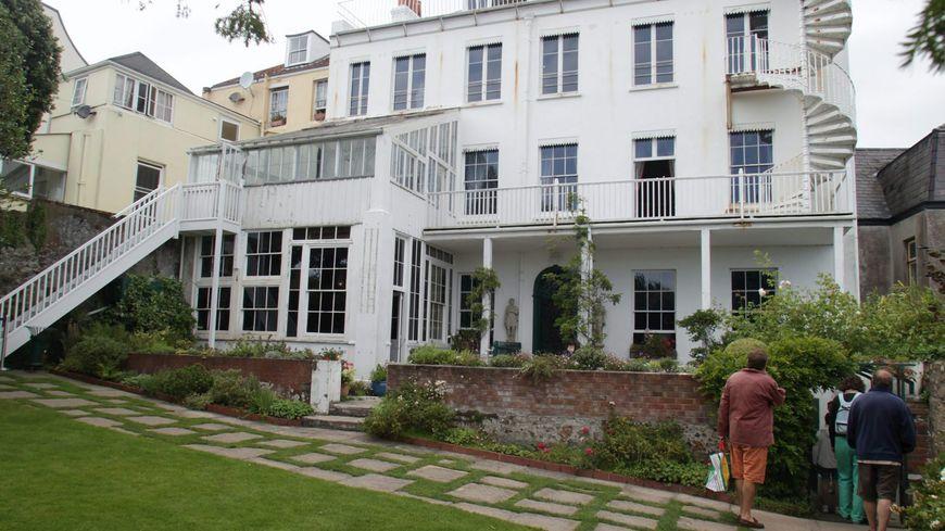 la maison de victor hugo guernesey ferme ses portes 18 mois pour travaux. Black Bedroom Furniture Sets. Home Design Ideas